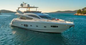 Charter luxury yacht miami