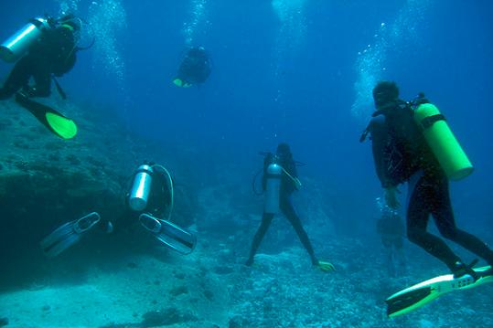 Scuba diving seychelles yacht trip